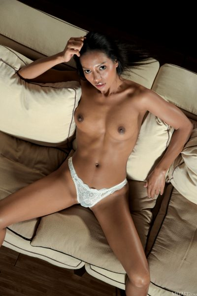 hot-couch_011