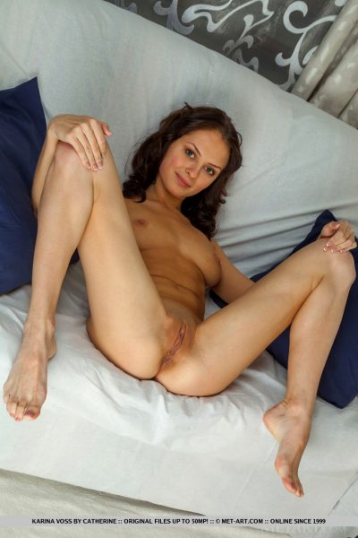 Presenting Karina Voss