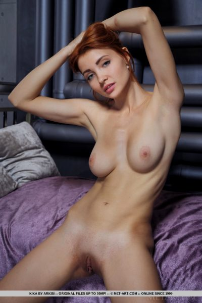 sexy-kika-captures-our-attention-with-posing-on-top-of-the-satin-bed_007