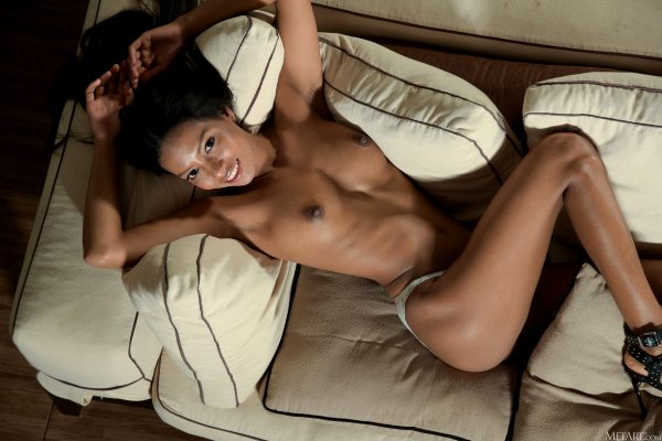 hot-couch_010