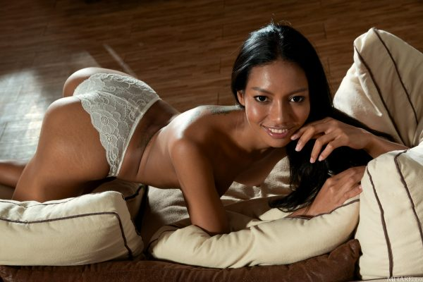 hot-couch_012